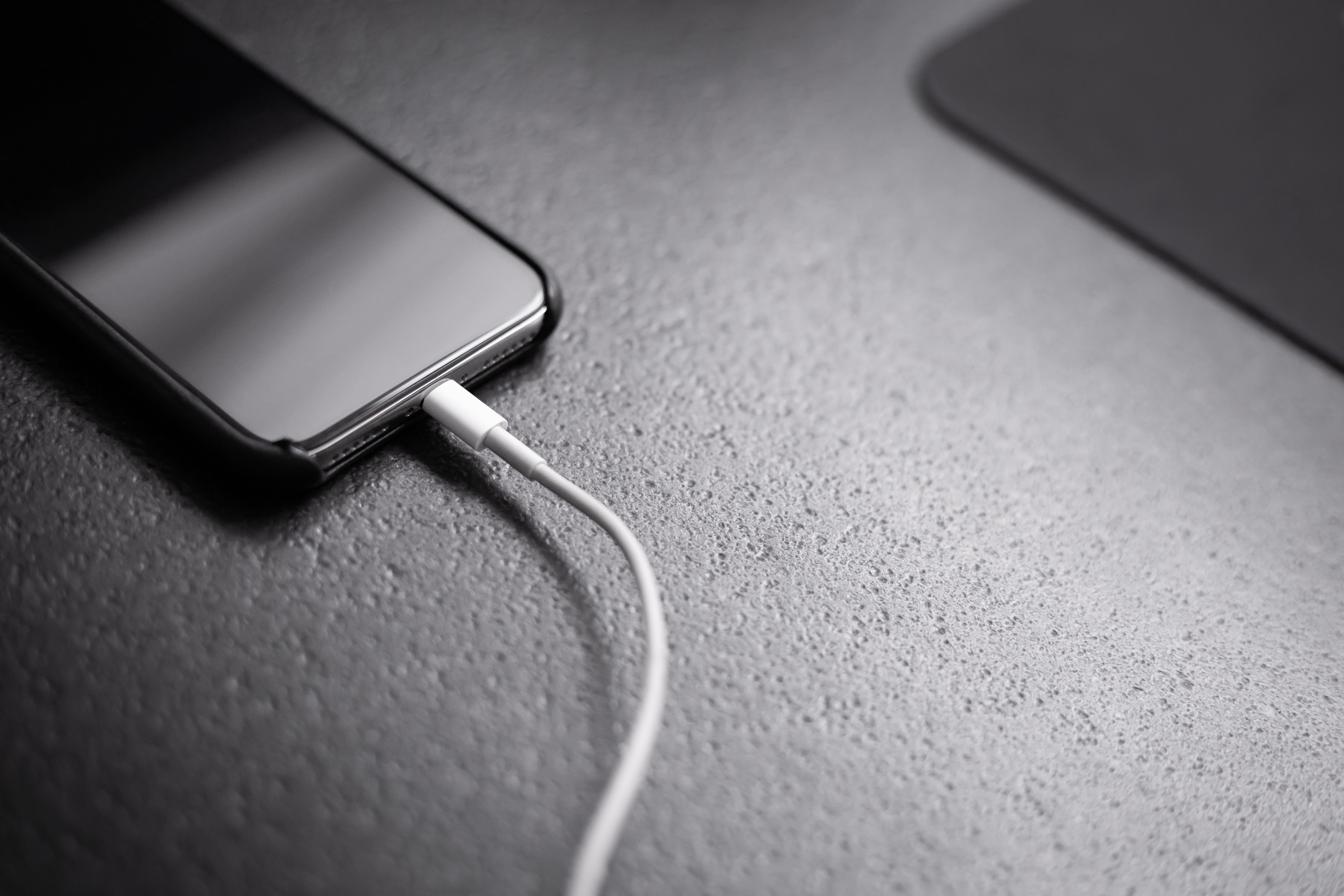 Handphone Kamu Boros Baterai? Bisa Jadi Aplikasi Ini Penyebabnya gdilab
